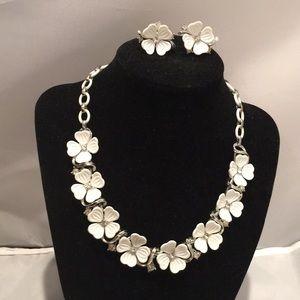 Vintage Lisner Demi Parure Molded Flower Jewelry